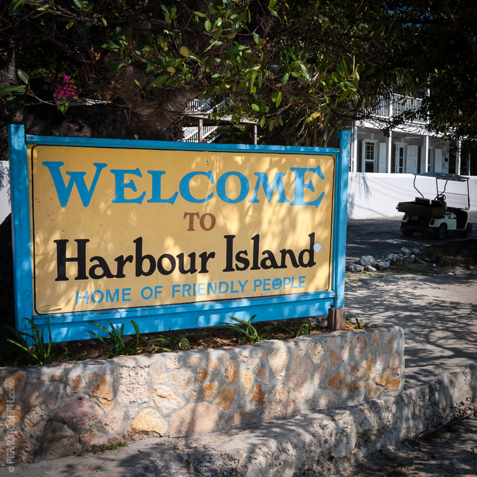 harbour_island_welcome_sign_IMG_1834.jpg